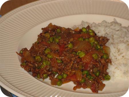Curry van Doperwten en Gehakt
