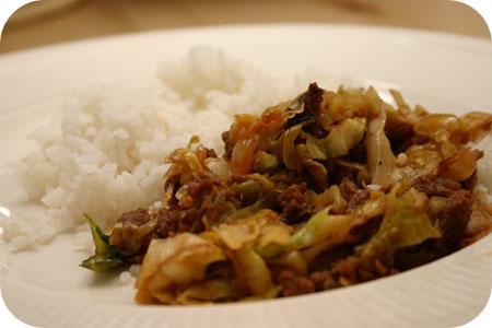 Rijst met Spitskool en Gehakt