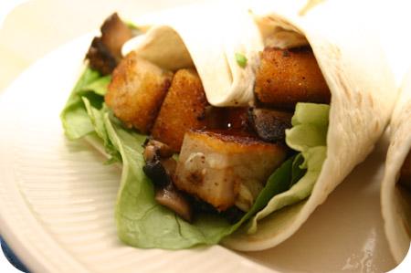 Wraps met Kipburgers, Champignons en Sla
