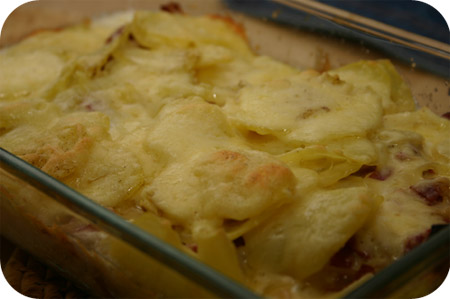 Aardappelgratin met Brie, Salami en Ui
