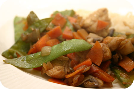 Noodles with Chicken, snow peas and mushrooms