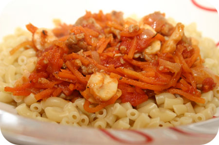 Pasta with Minced Beef, Carrots and Mushrooms