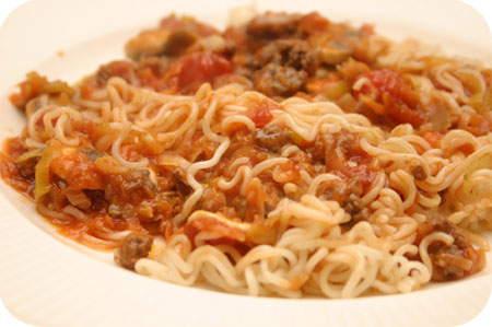 Noodles with Leek, Mushrooms and Tomato Sauce