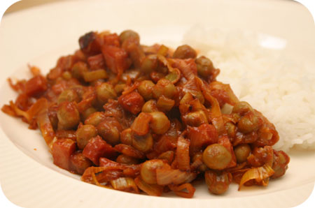 Rice with Marrowfat Peas and Leek in Tomato Sauce