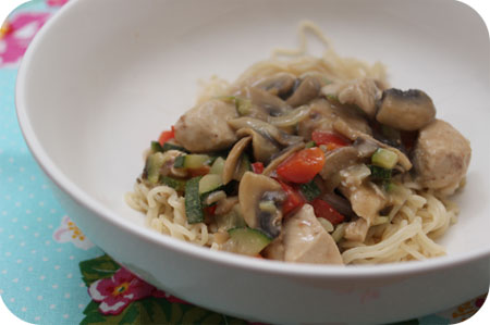 Noodles with Chicken Breast, Zucchini and Mushrooms in Satay Sauce