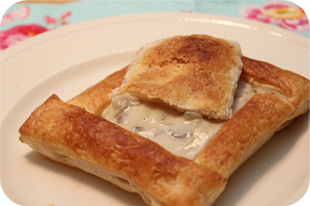 Puff pastry cups with Mushroom Ragout