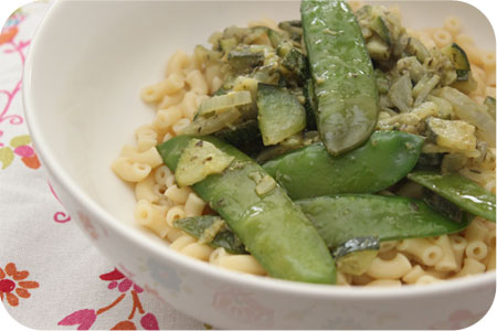 Macaroni with Zucchini, Snow Peas and Pesto