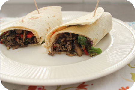 Wraps with Minced Beef, Mushrooms and Pepper