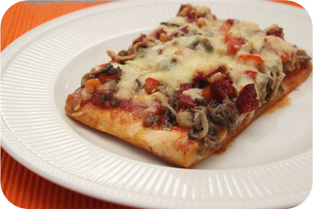 Pizza Minced Beef with Mushrooms, Red Pepper and Chorizo