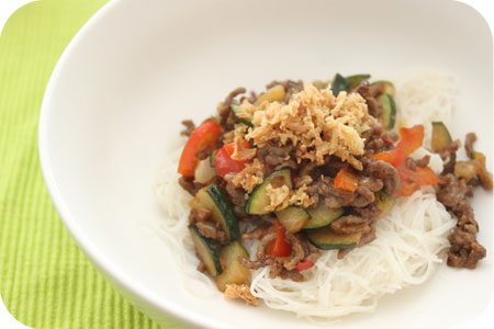 Rice Noodles with Minced Beef and Red Pepper