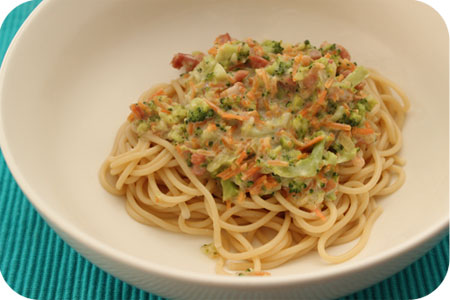 Spaghetti with Broccoli and Carrot Sauce